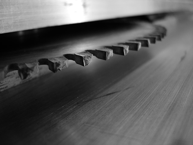 A detail from a saw. Photo: Tomáš Rak, 2004.
